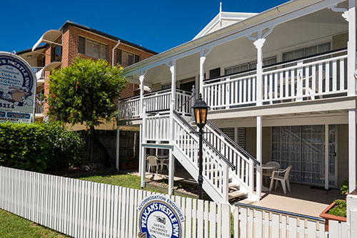 Pelican's Nestle Inn Wynnum Manly